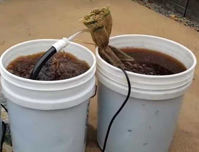 2 דליים של תה קומפוסט מאוורר