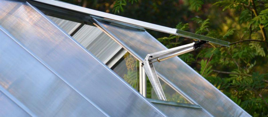 פותח חלון אוטומטי מגג עשוי פוליקרבונט